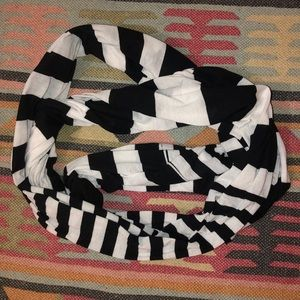 EXPRESS black and white infinity scarf